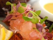 期間限定 伊勢海老のカルパッチョを特別料理で